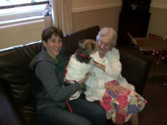 Sid visits mum in carehome